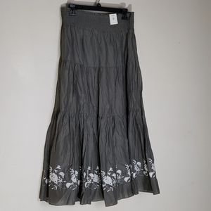 Old Navy gathered embroidered gray long skirt